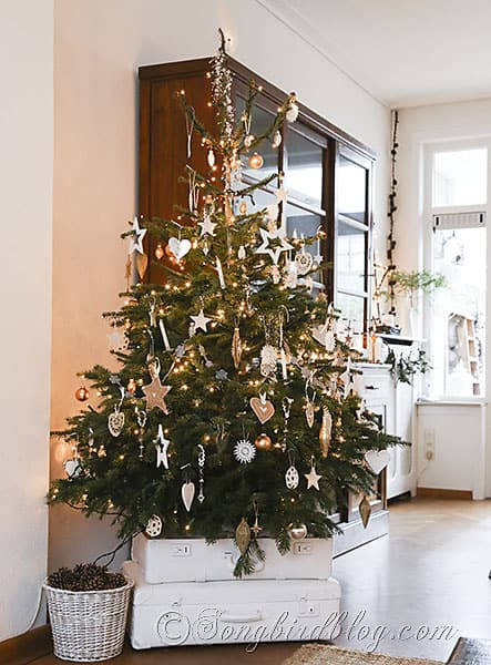 Christmas Tree Homemade Ornaments White Silver And Gold 8