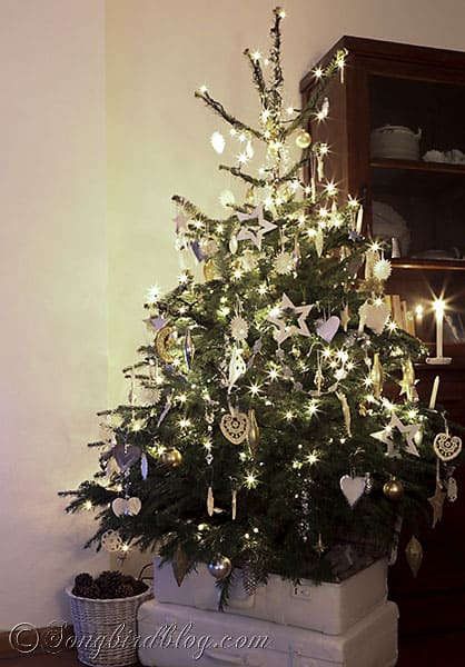 christmas tree homemade ornaments white silver and gold 2 - Gold Christmas Tree