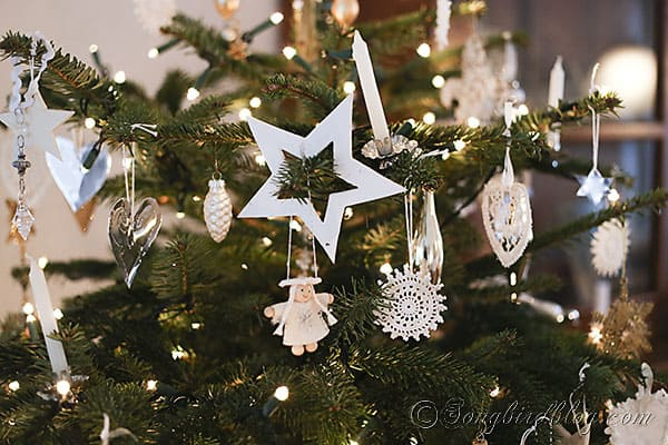 Christmas tree homemade ornaments white, silver and gold (1)