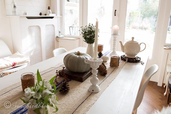 vintage grain sack table runner and Fall table decor