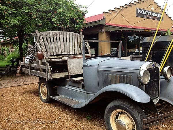 hillbilly_truck_leipers_fork_tennessee
