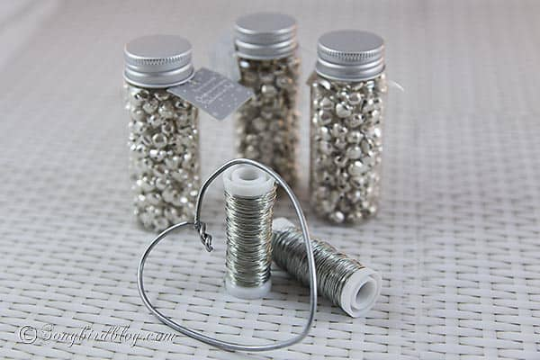 how to make Christmas ornament jingle bells heart http://www.songbirdblog.com