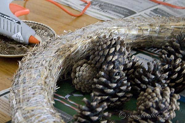 how to make a Pine Cone Wreath for Fall