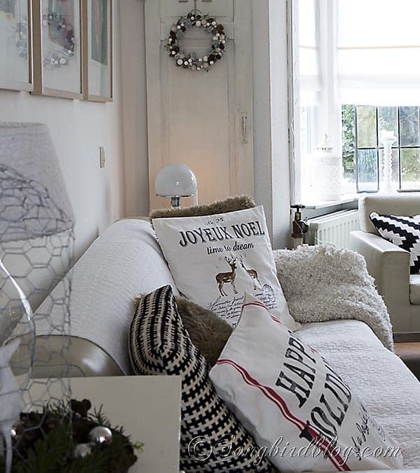 living room Christmas decor pillows 4