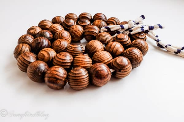 how to make a wooden beads tea trivet