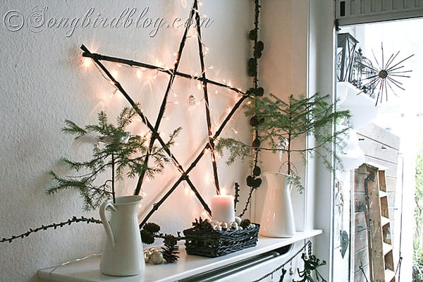 natural and rustic Christmas mantel display with woodland elements (7)