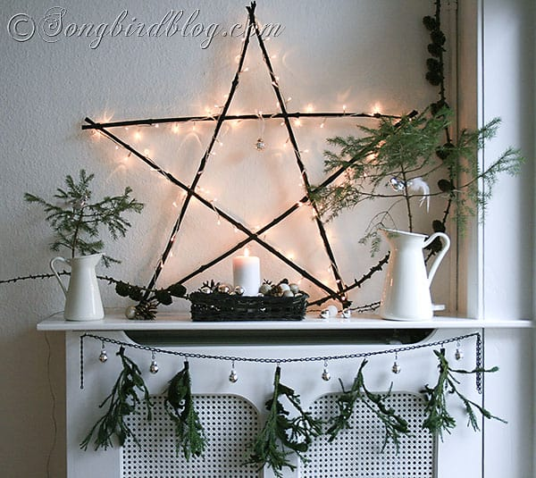 Making Natural Christmas Decorations: Natural Christmas Mantel Decoration
