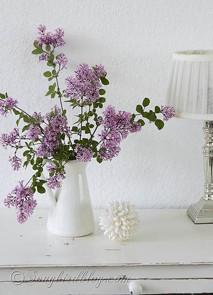 pink lilac bouquet white vase via Songbirdblog