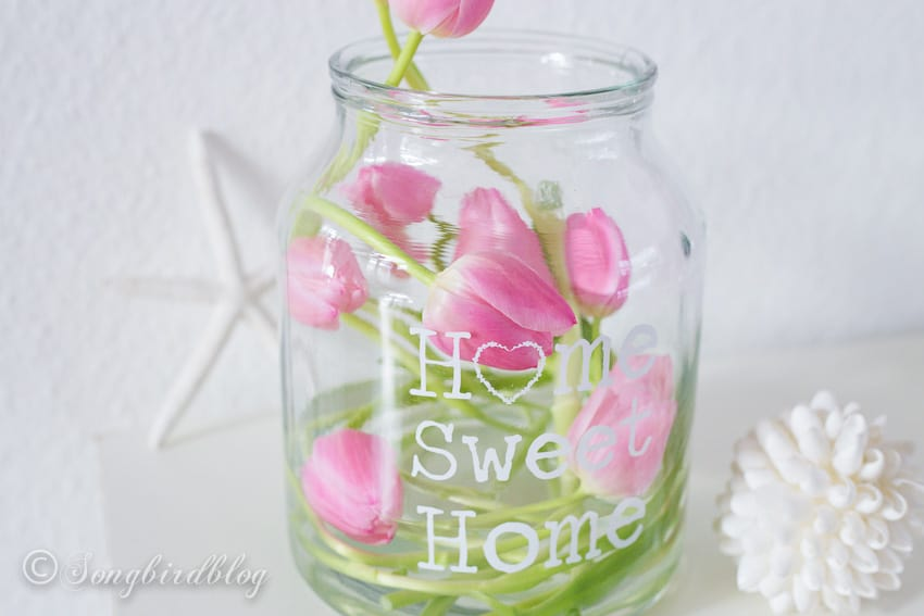 Decorating with tulips: creative styling of pink tulips
