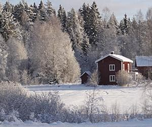 red cabing Sweden snow