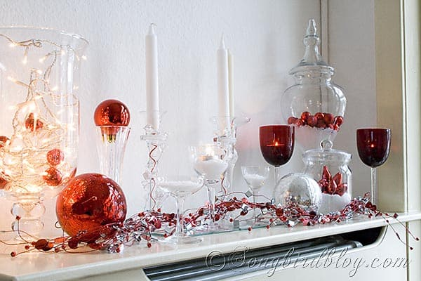 Christmas mantel in white, red and silver