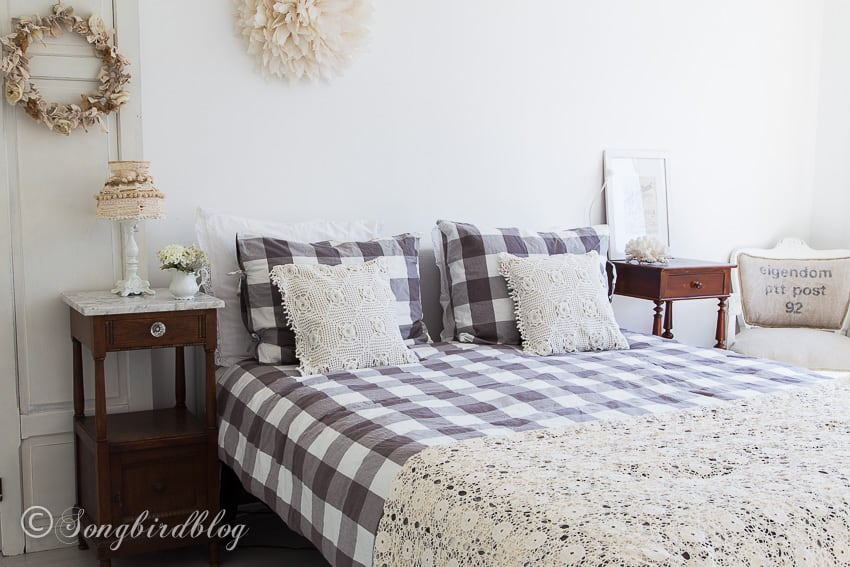 romantic bedroom decor with vintage touches