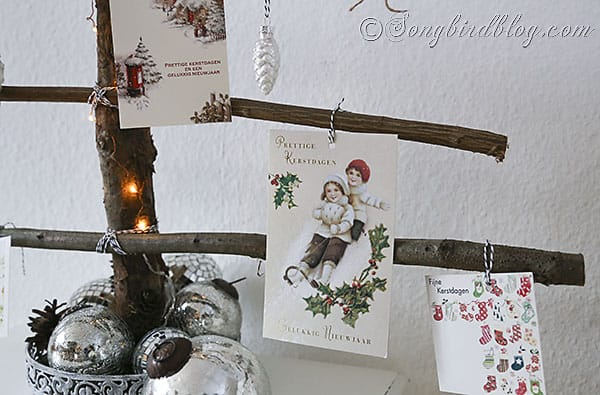 homemade Christmas tree branches display Christmas cards (5)