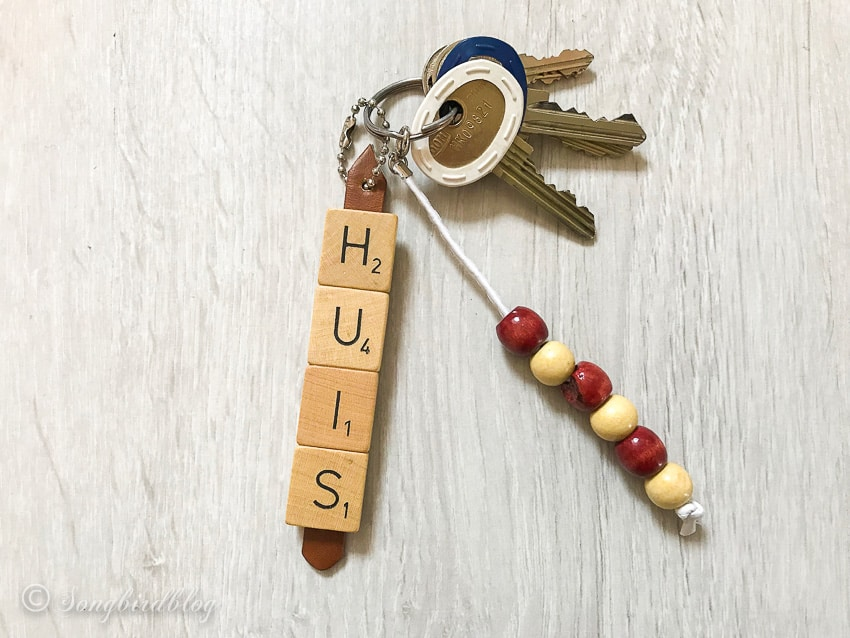 one hour scrabble tile key chain diy project