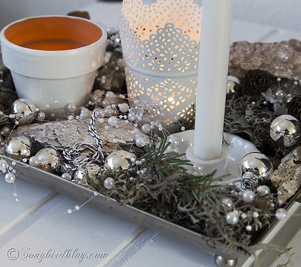 easy Christmas decoration in silver and white. http://www.songbirdblog.com