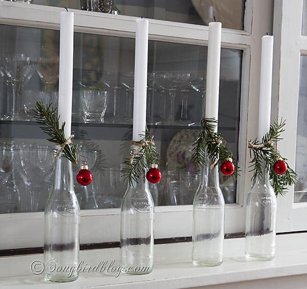 Easy and quick Christmas decoration with glass bottles. Songbirdblog.com