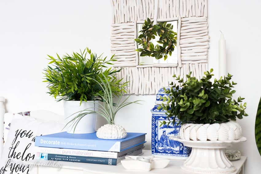 Decorating with driftwood mirror