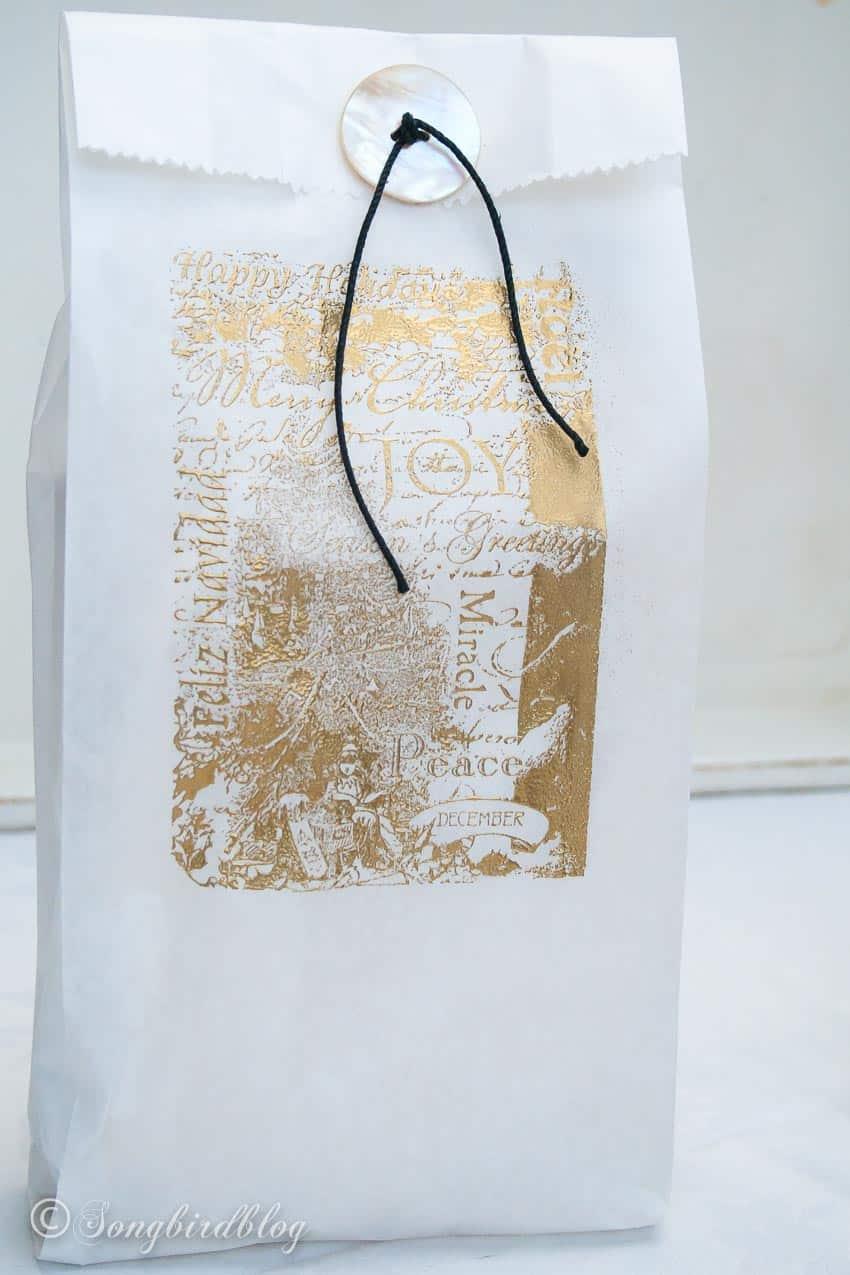 vintage Christmas gift bags ideas