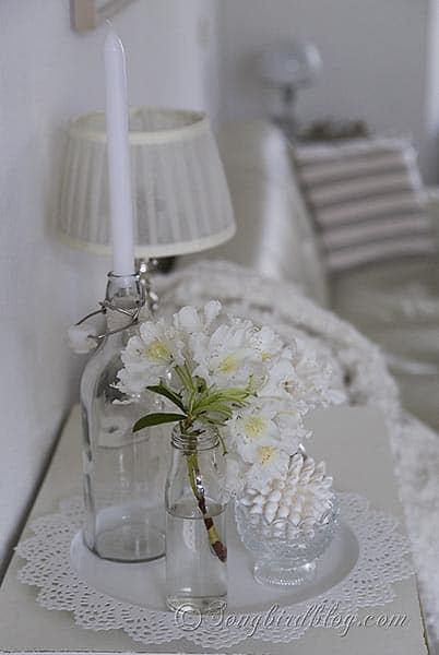 white decoration via Songbirdblog